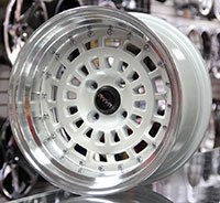 TRAKLITE DRUM 15X8 4X100 ET0 MACHINED / PEARL WHITE INSERTS / POLISHED LIP